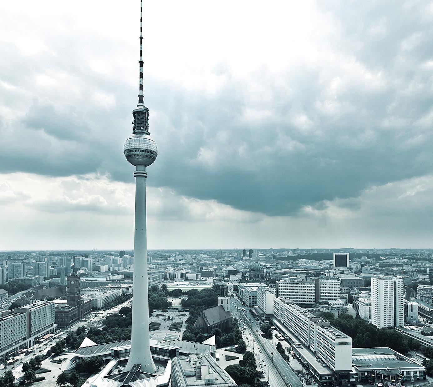BEUERMANN+PARTNER ist eine auf Baurecht spezialisierte Kanzlei in Berlin mit langjähriger Expertise in den Bereichen Bau- und Architektenrecht, Vergaberecht, Bauträgerrecht...